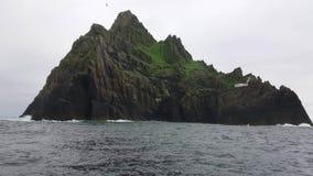 Skellig Michael - la bella piccola isola in Irlanda - loacation famoso di film allo Skelligs archivi video