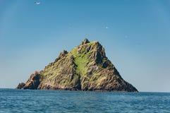 Skellig Michael, UNESCOvärldsarv, Kerry, Irland Star Wars styrkan väcker plats som filmas på denna ö Royaltyfri Fotografi