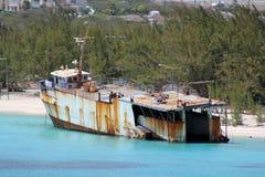 Skepp aground Arkivbild