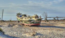 Skepp aground och övergett Royaltyfria Foton