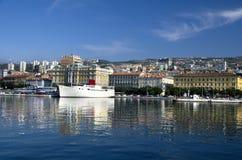 Skepp Botel i Rijeka, Kroatien Fotografering för Bildbyråer