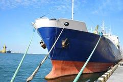 Skepp för bärare i stora partier Arkivfoton