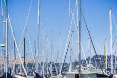 Skepp förtöjde i en marina, Sausalito, Kalifornien Royaltyfria Foton