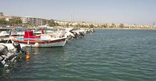 Skepp i porten av Rethymnon.Krete Arkivfoton