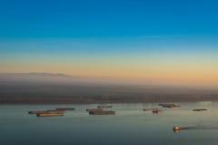 Skepp på Danube River, Rumänien fotografering för bildbyråer