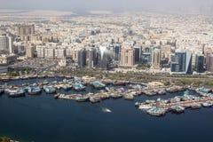 Skepp på Dubai Creek port, Dubai Royaltyfri Foto