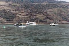 Skepp på flodRhen i Tyskland Royaltyfria Foton