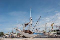 Skepp på hamnen Arkivbild