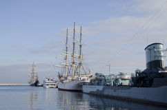 Skepp på porten av Gdynia Arkivfoto