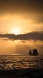 Skepp på solnedgången i Antofagasta Arkivbilder