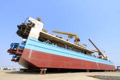 Skeppet var under reparation i skeppsdockan Royaltyfri Foto