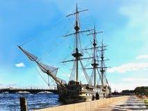 Skeppfregatt på Neva River i St Petersburg stock illustrationer