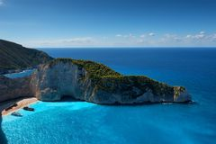 Skepphaveristrand och Navagio fjärd Den mest berömda naturliga gränsmärket av Zakynthos, grekisk ö i det Ionian havet arkivfoton