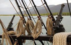 Skeppkanoner och rep Royaltyfri Fotografi