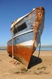 Skeppsbrott på kusten Arkivbild