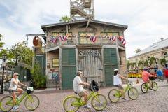 Skeppsbrottet uppskattar museet, i Key West, berättar Florida, museet berättelsen av sabotörbranschen i gamla Key West Arkivbild