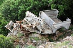 Skeppsbrutet militärt land Rover Left som krigminnesmärken Arkivfoto