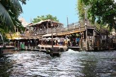 Skeppsdocka för Disneyland djungelkryssning royaltyfri fotografi