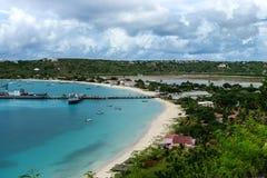 Skeppsdocka och bräckt damm, Anguilla, brittiska västra Indies, BWI som är karibisk Royaltyfria Bilder