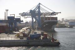 Skeppsdockor av Genoa Harbor, Genua, Italien, Europa Royaltyfria Foton