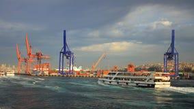 Skeppsdockor av Istanbul arkivfoto
