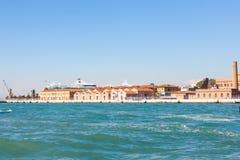 Skeppsdockor av slutlig port för venetian kryssning Royaltyfri Foto