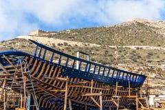 Skeppsvarv för träfiskeskyttlar i Agadir Fotografering för Bildbyråer