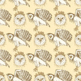 Sketch harpia eagle head in vintage style. Vector seamless pattern Royalty Free Stock Photo