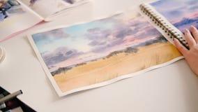 Sketchbook del pintor del paisaje de las ilustraciones de la acuarela metrajes