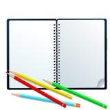 Sketchbook mit Bleistiften Lizenzfreie Stockbilder