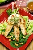 Skewers asiáticos da galinha fotos de stock