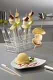 Skewers da fruta - série da química de alimento Foto de Stock