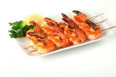 Skewers do camarão com molho de pimentão doce do alho Imagens de Stock Royalty Free