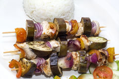 Skewers of vegetables and chicken Royalty Free Stock Photography
