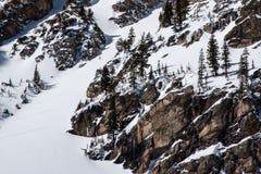 Skiër boven Emerald Lake royalty-vrije stock afbeelding