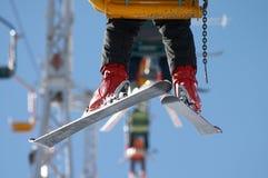 Skiër op stoellift Stock Foto's