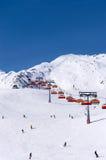 Skiërs en stoeltjeslift in Solden, Oostenrijk Stock Foto's