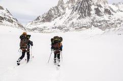 Skiërs op Vallee Blanche Royalty-vrije Stock Afbeelding