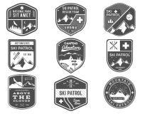 Ski Club, patrulha, acampamento etiqueta a coleção Montanha do vintage, logotipo exterior da aventura dos crachás do explorador d ilustração do vetor
