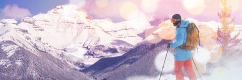 Ski d'homme sur la pente photo libre de droits
