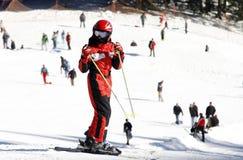 Ski in de bergen Royalty-vrije Stock Afbeeldingen