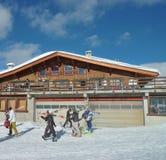 Ski in de bovenkant van Alpen Stock Foto's