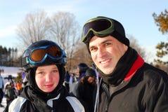 Ski de famille image stock