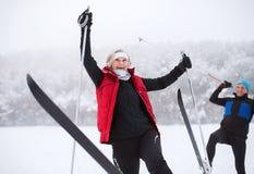 Ski de fond de couples supérieurs Photographie stock