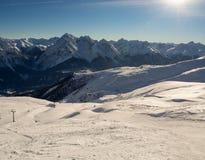 Ski in de Zwitserse Alpen in werking die wordt gesteld die Stock Foto