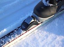 Ski, der mit Schuh bindet Lizenzfreies Stockfoto