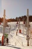 Ski die in de Pyreneeën in werking wordt gesteld stock afbeeldingen