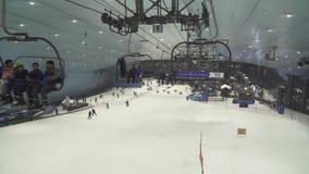 Ski Dubai es una estación de esquí interior con 22.500 metros cuadrados de vídeo interior de la cantidad de la acción del área de almacen de metraje de vídeo