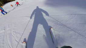 Ski?end op de berg de Pyreneeën in Spanje, Masella-planmening stock video