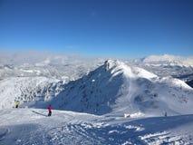 Ski fahren in Österreich lizenzfreie stockbilder